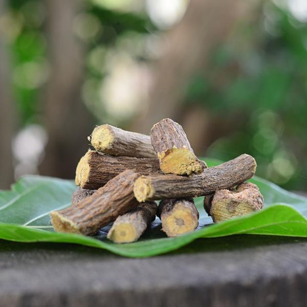 yashtimadhu medicinal uses