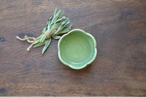 fresh sage leaves health benefits