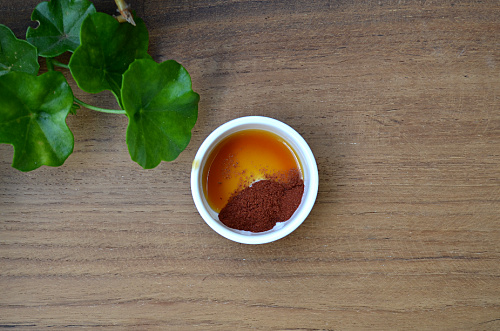 Red Sandalwood & Honey For Acne