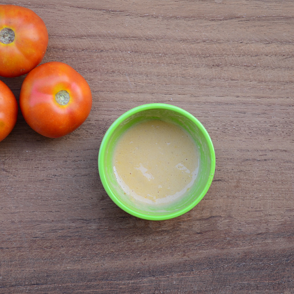 Tomato & Oatmeal Face Pack For Skin Glow
