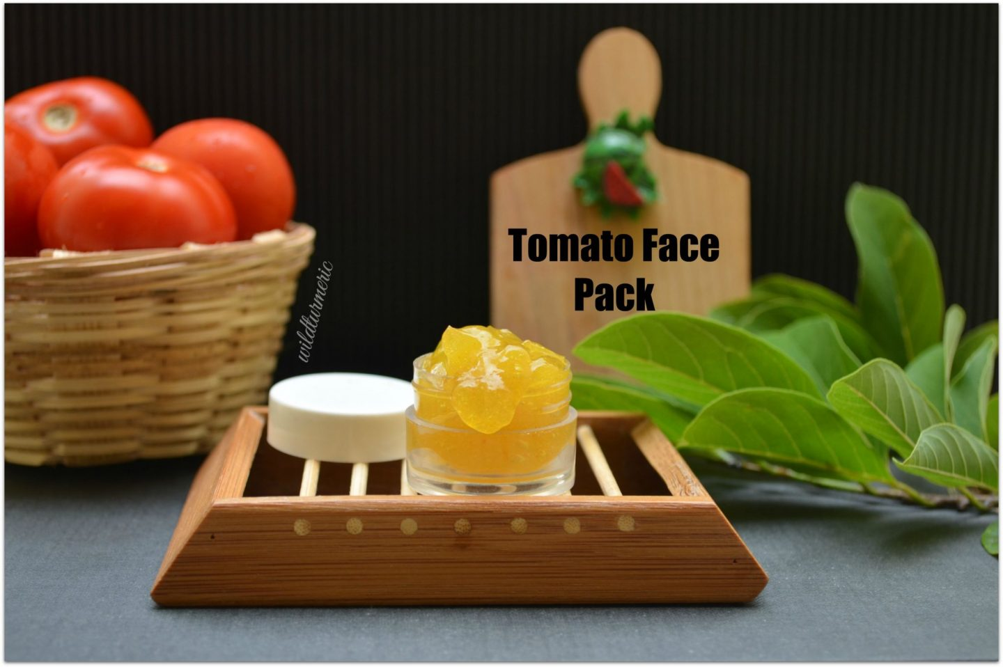 Homemade tomato face masks
